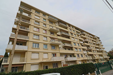 APPARTEMENT F4 VIAGER TOULON
